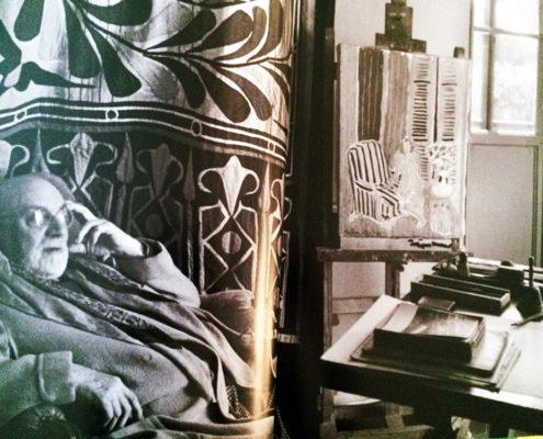 Photo de Matisse assis dans un fauteuil