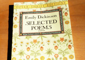"Photo de la couverture des ""Selected Poems"" d'Emily Dickinson"