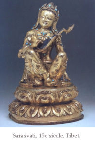 Sculpture de Sarasvati datant du Tibet du XVe siècle.