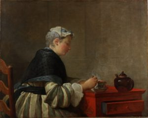 Reproduction d'un tableau de Chardin montrant une dame prenant son thé, assise à une petite table rouge où sont posées la tasse et la théière