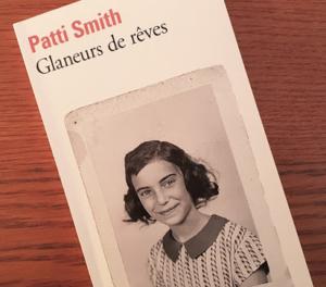 """Photo de la couverture du livre """"Glaneurs de rêves"""" de Patti Smith"""