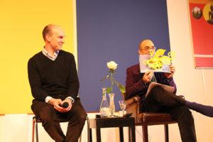 Photo de Hadrien France-Lanord et de Fabrice Midal en plein séminaire