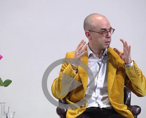 Photo de Fabrice Midal, fondateur de l'École occidentale de méditation, enseignant en direct de Paris