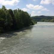 Photographie d'un paysage avec un fleuve