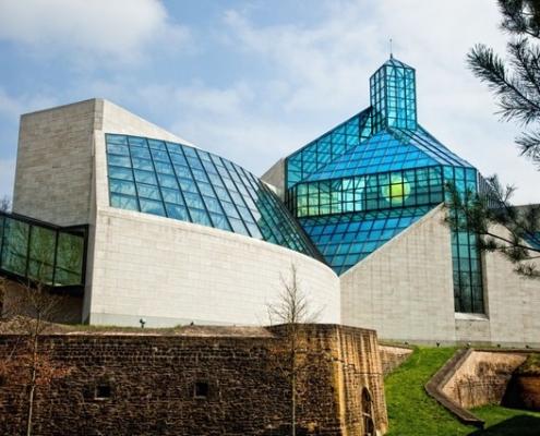 Photo des verrières du Musée d'art moderne du Luxembourg,