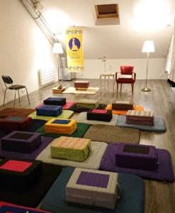 Photo de la salle de méditation de l'École à Nantes